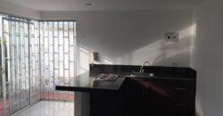 Casa comercial con aparta estudios en el barrio Ciudad Jardín