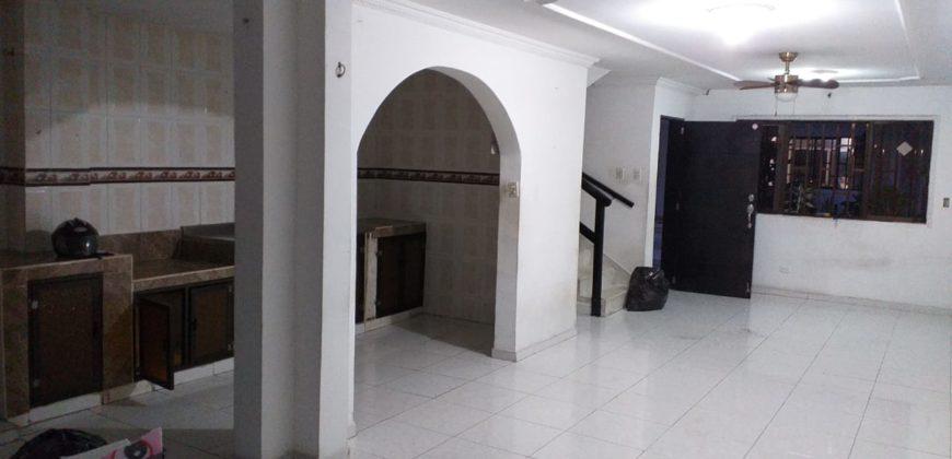 Casa en conjunto barrio Las Palmas