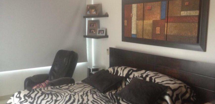 Casa en conjunto en barrio Villa Santos